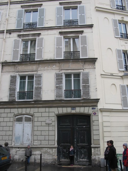 Vincent and Theo lived at 54 Rue Lepic, Paris