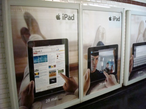 Paris - Le Metro Apple iPad ads