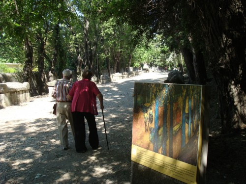 Arles - Alyscamps walk like Van Gogh