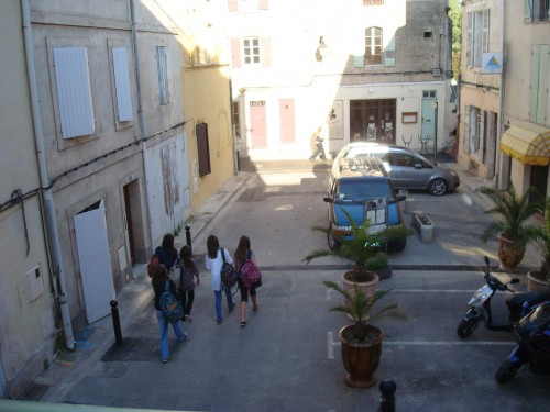 Arles - view from our window - students going to school