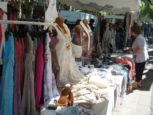 Aix - clothing market dresses scarves