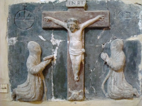 Aix - old crucifixtion statues in church
