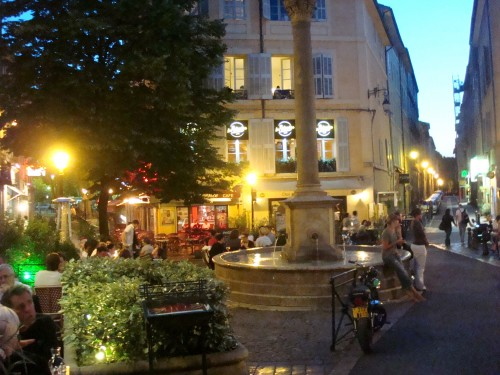 Aix - cafe fountain night 2