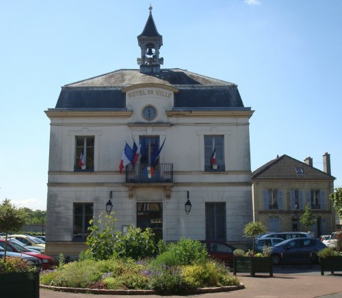 Auvers - Town Hall